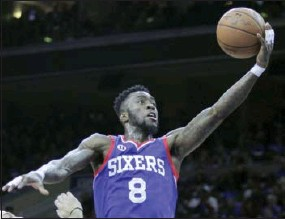 ?? H. RUMPH JR. — THE ASSOCIATED PRESS ?? Sixers guard Tony Wroten goes in for a layup against the Miami Heat on Saturday.