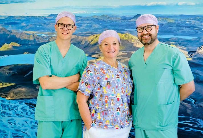 ?? FRÉTTABLAЭIÐ/ANTON BRINK ?? Davíð Jensson, Þórdís Kjartansdóttir og Hannes Sigurjónsson, starfa öll sem lýtalaeknar á Dea Medica ásamt Rafni Ragnarssyni sem vantar á myndina.