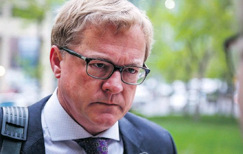 ?? JEFF MCINTOSH /THE CANADIAN PRESS ?? Alberta Education Minister David Eggen announced a salary cap Friday for future school superintendent contracts.