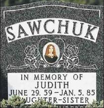 ?? Star photo: Jason Kryk ?? FINAL RESTING PLACE: The gravestone of murder victim Judy Sawchuk at Windsor Memorial Gardens.