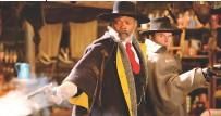 ??  ?? Un huis clos désespéré Les Huit salopards (2015) Noirs, blancs, latinos… Tout le monde prend cher dans ce jeu de massacre qui s'achève sur la vision d'une lettre de Lincoln couverte de sang. Tarantino n'est pas d'humeur optimiste.