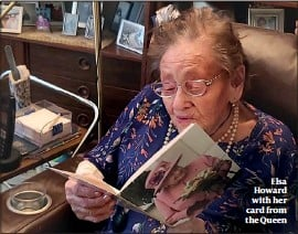 ??  ?? Elsa Howard with her card from the Queen