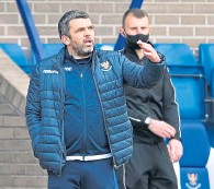 ??  ?? Saints boss Callum Davidson