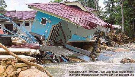 ??  ?? Keadaan Chalet Terrabait D'yan yang rosak akibat banjir kilat yang melanda daerah Merbok dan Yan tiga hari lalu.
