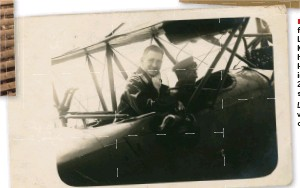 ??  ?? ■ The flightbook of Leutnant Friedrich Krug von Nidda lists his training flights. He was Saxon pilot in Flieger Abteilung 284, a field artillery spotting unit. Left: Friedrich Krug von Nidda in the cockpit.