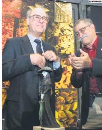 """?? EL INFORMADOR ?? RECONOCIMIENTO. En 2003 """"Quino"""" recibió el homenaje La Catrina, otorgado por la Feria Internacional del Libro de Guadalajara."""