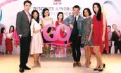 ??  ?? (below, from left) Hosts Chan, Ying Ling, Yap, Jenny, Go Shop ambassadors Jason Phang and Gan Mei Yan, and Poon.