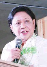 ??  ?? Senator Cynthia Villar, who led the inauguration of the farm's convention center, renewed her commitment to Costales Nature Farms in promoting organic farming.