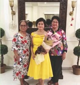 ??  ?? TERRY Bernardo with Norma V. Valeros Ramos and Marylinda C.