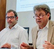 ??  ?? Idee Gli esponenti del Global Forum Sudtirol Christian Girardi e Reiner Eichenberger