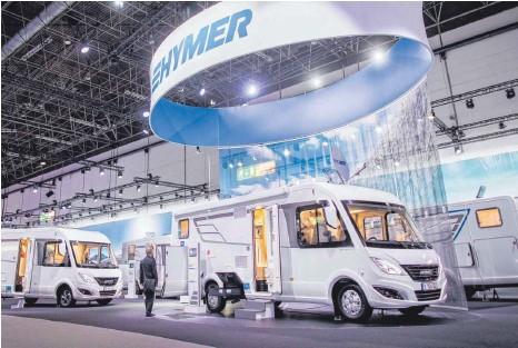 ?? FOTO: DPA ?? Hymer- Stand auf dem Caravan Salon in Düsseldorf: Nach dem Bekanntwerden von Unregelmäßigkeiten bei der Nordamerika- Tochter müht sich die Konzerngeschäftsführung der Erwin- Hymer- Gruppe, die finanziellen Unregelmäßigkeiten aufzuklären.