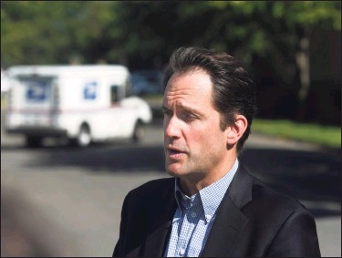 ?? Tyler Sizemore / Hearst Connecticut Media ?? U.S. Rep. Jim Himes, D-Conn., speaks at the U.S. Post Office on West Avenue in Stamford on Tuesday. Himes heard firsthand from USPS staff about recent changes to the postal service and spoke about the Delivering for America Act and the importance of protecting the USPS ahead of the election in November.