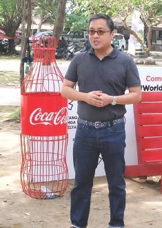 ??  ?? COCA-Cola corporate and regulatory affairs director, Atty. Juan Lorenzo Tañada