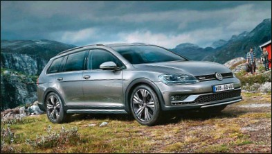 ??  ?? Aujourd'hui, ce Volkswagen n'est plus commercialisé dans l'hexagone qu'en TDI 150 et boîte DSG. Volkswagen Golf Alltrack 2.0 TDI 150 DSG 4Motion 39 020 € 150 ch CO2 : 134 g/km