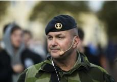 ??  ?? LEDDE ÖVNING. Major Robert Trupp, projektledare för totalförsvarsdagen, var den organiserade dagen.