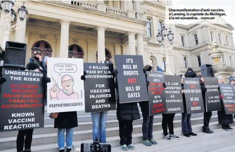 ?? – PHOTO AFP ?? Une manifestation d'anti-vaccins, à Lansing, la capitale du Michigan, à la mi-novembre.