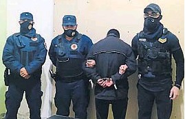 ?? POLICÍA ?? AL ESTE. El principal sospechoso, un joven de 18 años, fue capturado en La Francia.