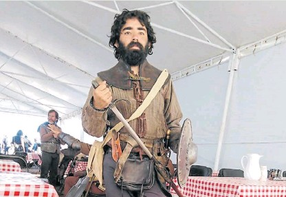 """??  ?? Extra. Antes de emprender lo gastronómico actuó en la serie de Maradona y en """"Méxica"""", de Spielberg."""