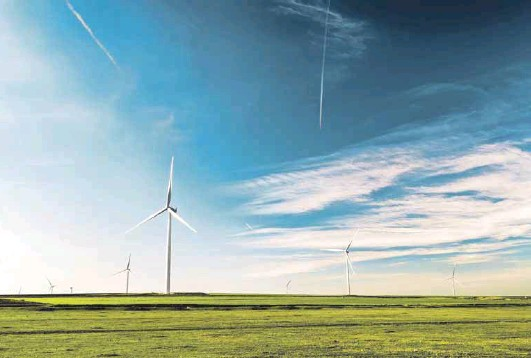 ??  ?? South Africa has ample sun, wind and land upon which to build solar plants and wind farms
