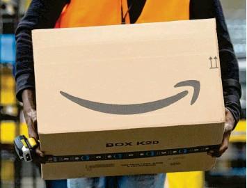 ?? Foto: Sebastian Kahnert, dpa ?? Internethändler wie Amazon versuchen selbst Fälle aufzudecken, bei denen Produktbewertungen geschönt und gekauft sind. Ver‰ braucher können dadurch in die Irre geführt werden.