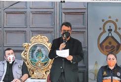?? FOTO: MARVIN SALGADO ?? En conferencia de prensa, las autoridades de la Iglesia Católica y de Salud informaron de la suspensión de las peregrinaciones.