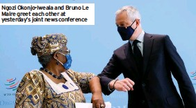 ??  ?? Ngozi Okonjo-Iweala and Bruno Le Maire greet each other at yesterday's joint news conference