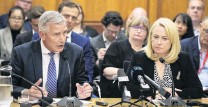 ?? PHOTO: THE NEW ZEALAND HERALD ?? Upfront . . . Air New Zealand chief executive Greg Foran and chairwoman Dame Therese Walsh appear before the transport and infrastructure select committee yesterday.