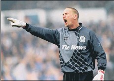 ??  ?? LEGEND Alan Knight is one of four keepers to have won The News/Sport's Mail's Player of the Season accolade