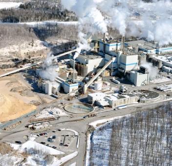 ?? PHOTO AGENCE QMI, ANDRÉ PAQUETTE ?? En plus de compter deux bureaux administratifs dans la métropole, Domtar opère deux centres de distribution au Québec ainsi qu'une usine à Windsor, en Estrie.