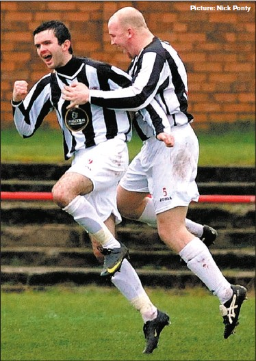 ?? Picture: Nick Ponty ?? Andy Reid (right) grabbed two goals as Beith beat Rob Roy to go top of the Super Premier