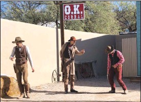 ??  ?? Actors are seen re-enacting the events that led to an 1881 shootout in the town that left three dead and became one of the most famous gun battles in the Old West in Tombstone, Ariz.