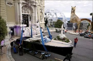 ?? (Photo Jean-François Ottonello) ?? Ce bateau électrique Powerboat Vita est mis en vente, parmi d'autres lots, pour financer des programmes de sauvegarde des espèces marines, et de lutte contre la pollution des océans.