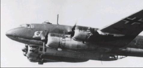 """?? DR/COLL. CHRIS GOSS ?? Le """"Condor"""" codé F8+AB avec ses symboles de missions sur la dérive indiquant ses succès contre les bâtiments alliés."""