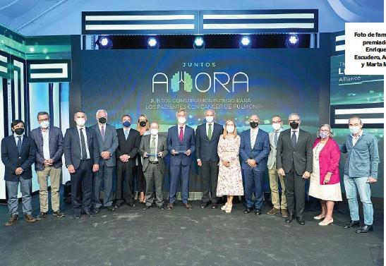 ?? AITOR USARBARRENA ?? Foto de familia de los premiados con Enrique Ruiz Escudero, Ana Pastor y Marta Moreno