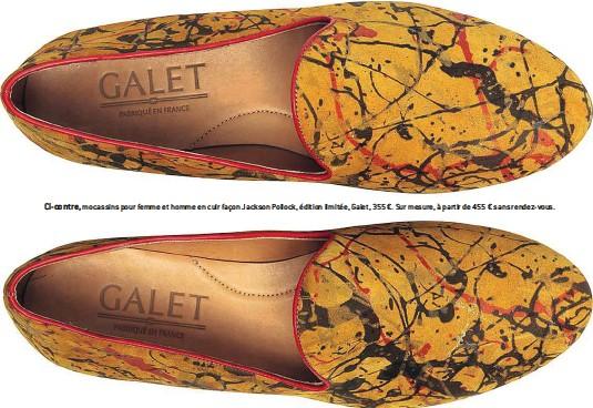 ??  ?? Ci-contre, mocassins pour femme et homme en cuir façon Jackson Pollock, édition limitée, Galet, 355 €. Sur mesure, à partir de 455 € sans rendez-vous.