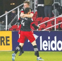 ?? TONI L. SANDYS/THE WASHINGTON POST ?? D.C. United's Brendan Hines-Ike scored the tying goal on a onetimer from 28 yards out in the 39th minute Saturday night.