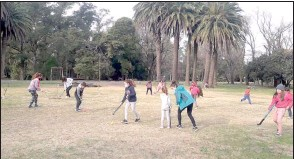 ??  ?? Los chicos tienen sus propuestas en el Parque Cabañas