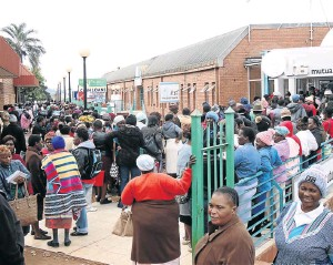 ?? / ANTONIO MUCHAVE ?? Clients of VBS Mutual Bank in Thohoyandou. The high court in Pretoria has granted an order for trhe bank to be liquidated.