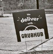 ?? Brett Hondow / TNS ?? The Texas Legislature is considering a bill to cap the delivery fees third-party apps charge restaurants at 15 percent.