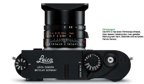 ??  ?? Filmtransport Die M10-D hat einen Filmtransporthebel, über dessen Haltefunktion man geteilter Meinung sein kann. Belichtet wird auf jeden Fall ein Sensor.