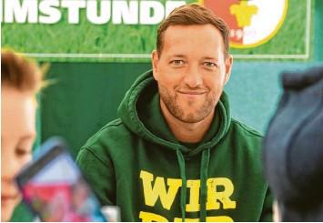?? Foto: Ulrich Wagner ?? Mit großen Zielen war Julian Schieber 2018 zum FC Augsburg gekommen, doch so richtig hat es zwischen dem Bundesligisten und dem Stürmer bis zuletzt nicht gepasst. Jetzt beendet Schieber seine Profi‰karriere.