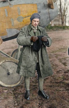 ??  ?? ■ Sebastian Festner suits up in front of an Albatros fighter at Roucourt airfield. (Colour by Johnny Sirlande)