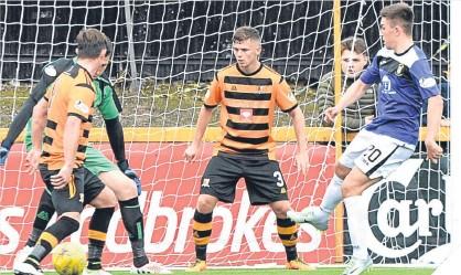 ??  ?? East Fife substitute Kevin O'Hara pulls a goal back against Alloa.