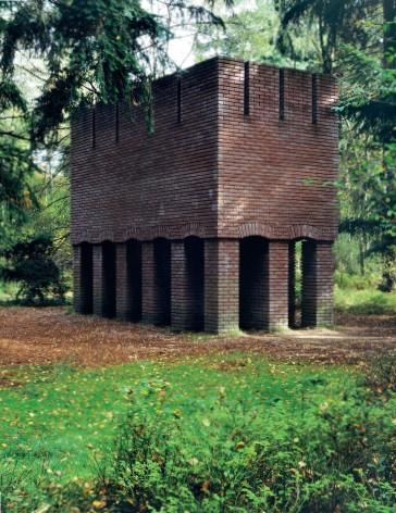 ??  ?? Construction en brique. Rijksmuseum Kröller-Müller (Archive Per Kirkeby, Kunsthaus, Bregenz ; Ph. Jens Lindh). Brick construction