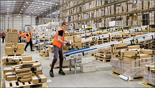 ??  ?? HUGE OPPORTUNITY: With customers such as Amazon, mega-warehouse firms are well placed to cash in on the growth in online shopping