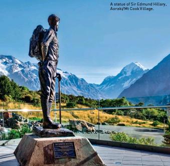 ??  ?? A statue of Sir Edmund Hillary, Aoraki/Mt Cook Village.