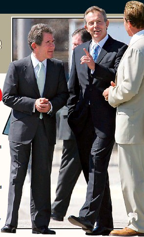 ??  ?? HIGH SOCIETY: Lord Browne with Tony Blair and Arnold Schwarzenegger