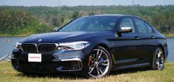 ??  ?? The BMW M550i has a twin-turbo V-8 that puts out 456 hp and 480 lb.-ft. of torque to all four wheels via an eight-speed transmission.