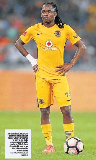 ?? PHOTOGRAPH: GALLO IMAGES ?? INFLUENTIAL PLAYER: Siphiwe Tshabalala of Kaizer Chiefs prepares to play in his 29th consecutive Soweto derby as Chiefs face Orlando Pirates in an Absa Premiership match today