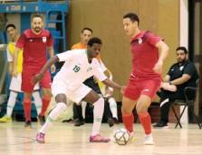 ??  ?? صورة التقطت أمس األول من مباراة المنتخب السعودي لكرة قدم الصاالت أمامالمحترفيناألجانب (المركزاإلعالمي-اتحادالقدم)